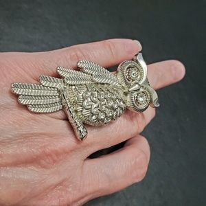 Jewelry - Silver tone owl ring